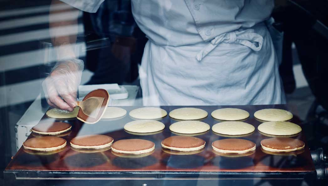 photo of pancakes by Photo by Jelleke Vanooteghem